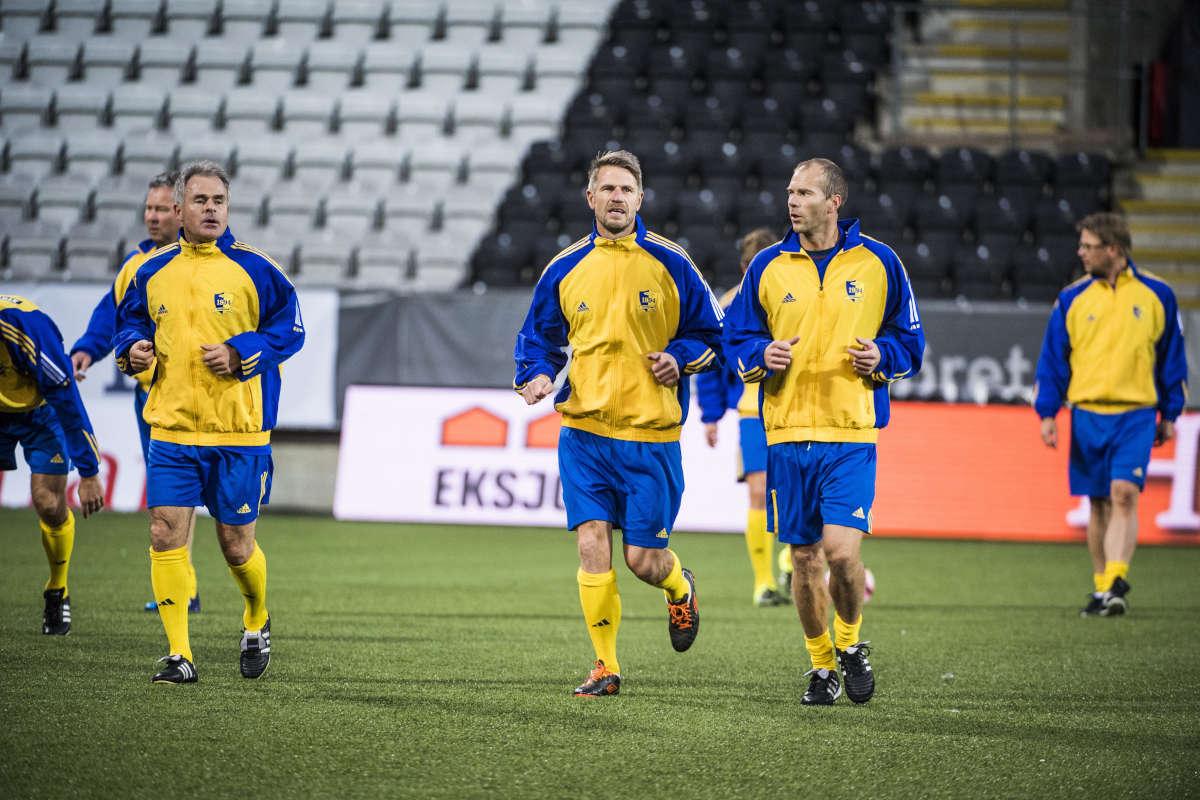 Olle Nordin avgick och dysterheten tycktes för evigt ha lagt sig över  svensk fotboll. Dessutom tillsatte man den inte särskilt karismatiske Tommy  Svensson ... e139235e188bf