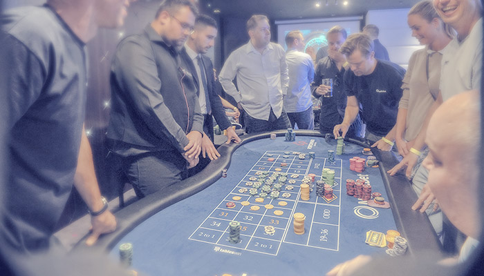 Dating site pokerin pelaajille